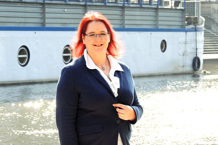 Frau Modis, Annika